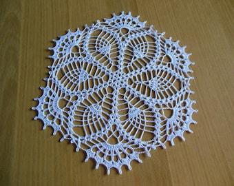 "Round crochet doily ""Albane"""