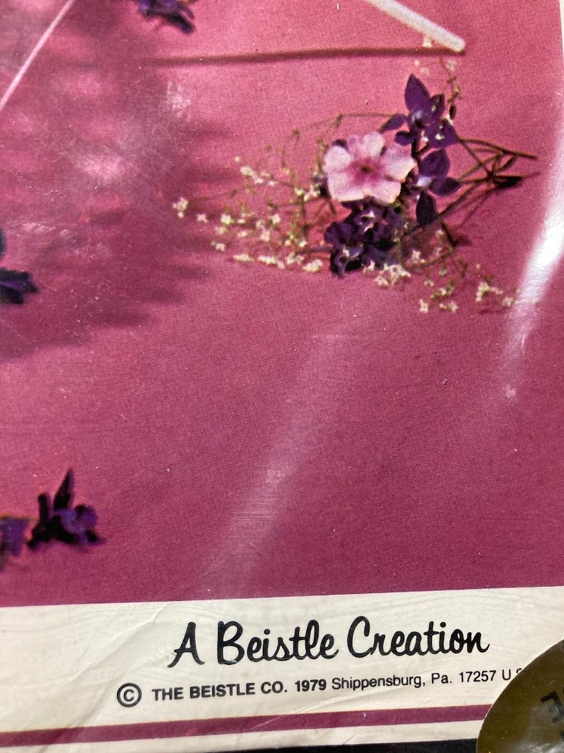 VINTAGE BEISTLE Parasol Art Tissue DECORATIONS 1979 New Original Package Blue
