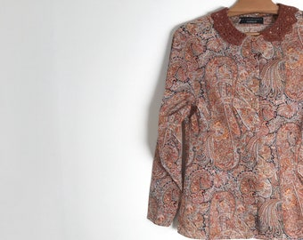 CACHAREL vintage paisley blouse / lace peter pan collar / button down long sleeve patterned blouse / retro cotton shirt / xxs / xs / 1990s