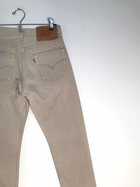 Vintage beige LEVIS 501 jeans with high waist and