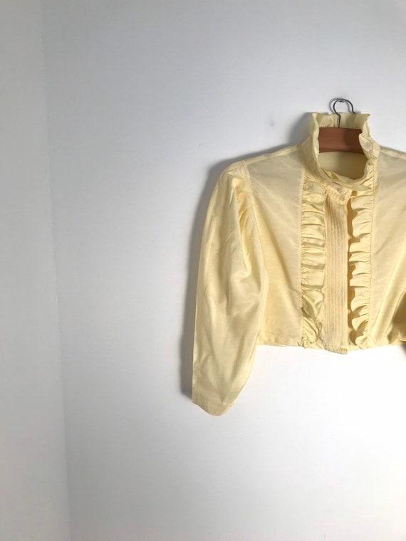 Vintage pastel yellow Austrian style ruffle crop t