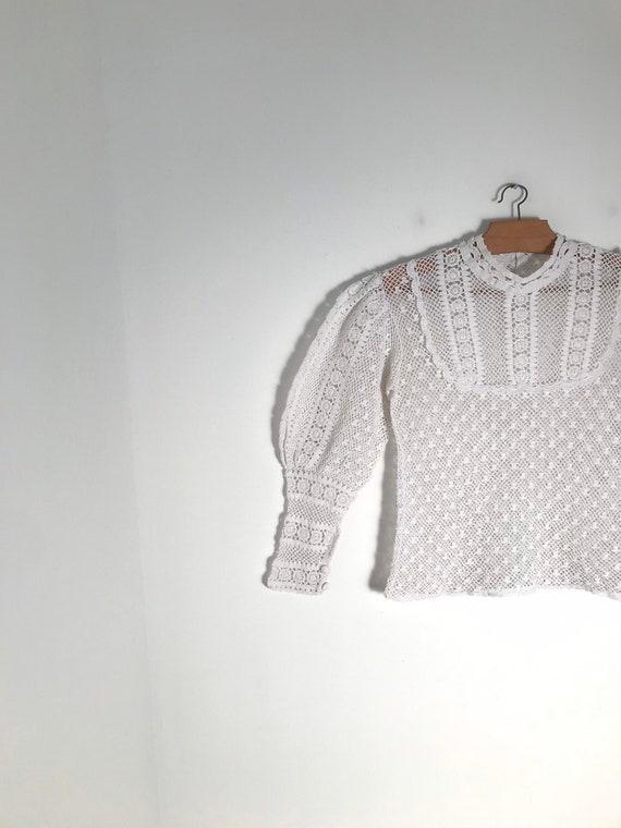Vintage white cotton lace blouse with long mutton