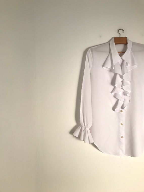 Vintage white button down ruffle blouse with ruffl