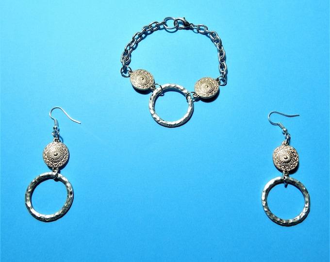 Women's bracellet and Earring Set