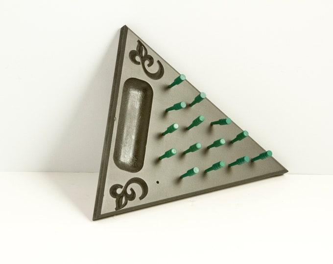 Dark Forest Green Painted Peg Game with Light Green Pegs