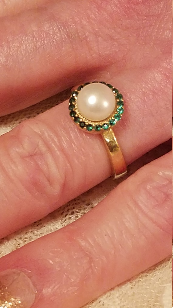 Vintage Engagement Pearl and Emerald Gemstone Ster