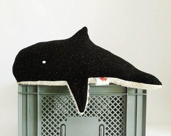 Whale cuddly toy MOMO black - small whale organic cuddly toy, whale stuffed animal, plush toy, Scandinavian, handmade, children's toys, newborn