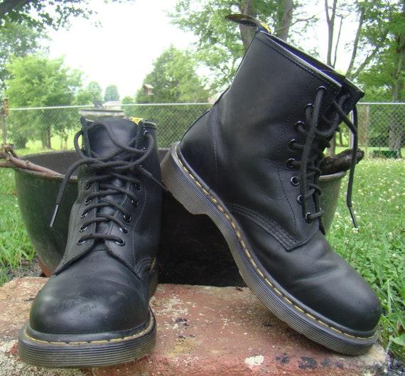 Doc Martens Dr Martens Boots 8 Eyelets Dr Martens 1460 Doc  9a29eaf57