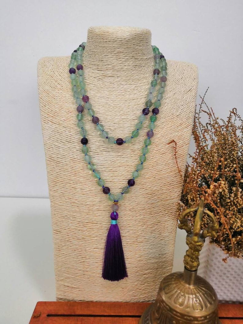 108 beads mala Fluorite Mala Fluorite necklace Tassel necklace Purple necklace Meditation mala Hand knotted mala necklace