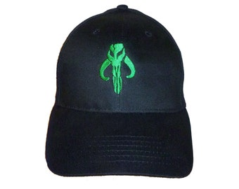 buy popular 403bb 2840c Star Wars - Boba Fett Mandalorian Skull Logo in GREEN Adult Baseball Hat  OSFA   FlexFit