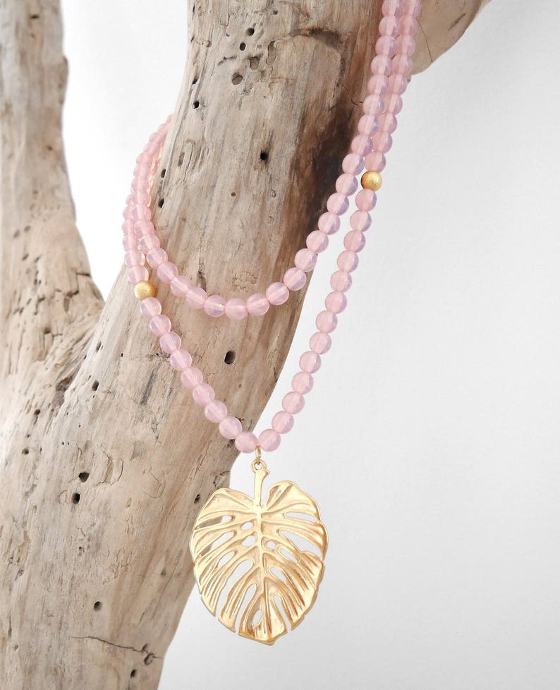 pendant SAUT17 Necklace boho chic beaded pink opal and gold with exotic Leaf Philodendron