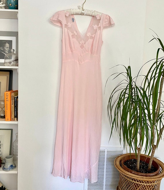 Vintage 1940s old hollywood pink nightgown / delic