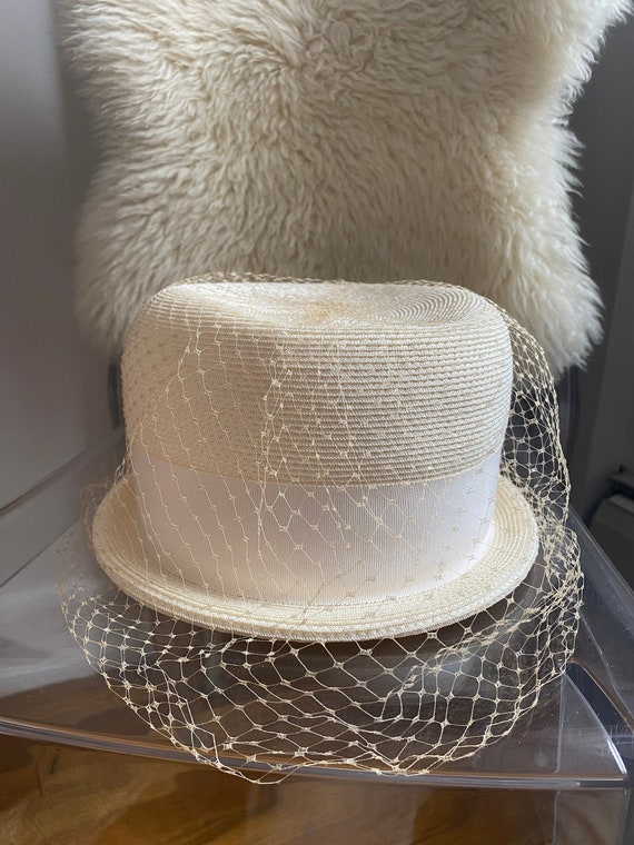 Vintage 1950s Ivory bridal hat with veil / white w