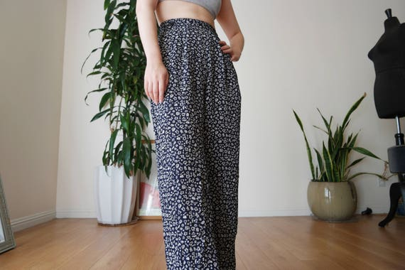 Navy Blue Pleated Wide Legged Pants with Printed … - image 6