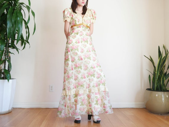 70's Floral Prairie Dress / 70s Romantic Prairie D