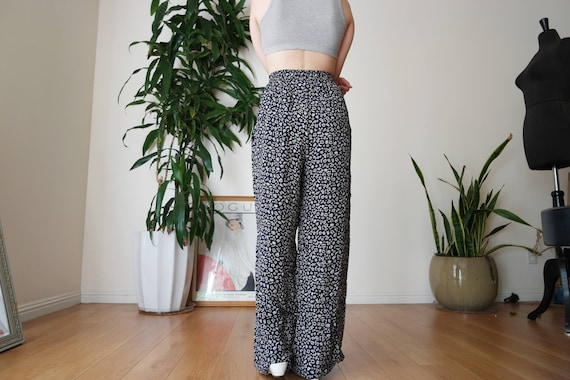 Navy Blue Pleated Wide Legged Pants with Printed … - image 2
