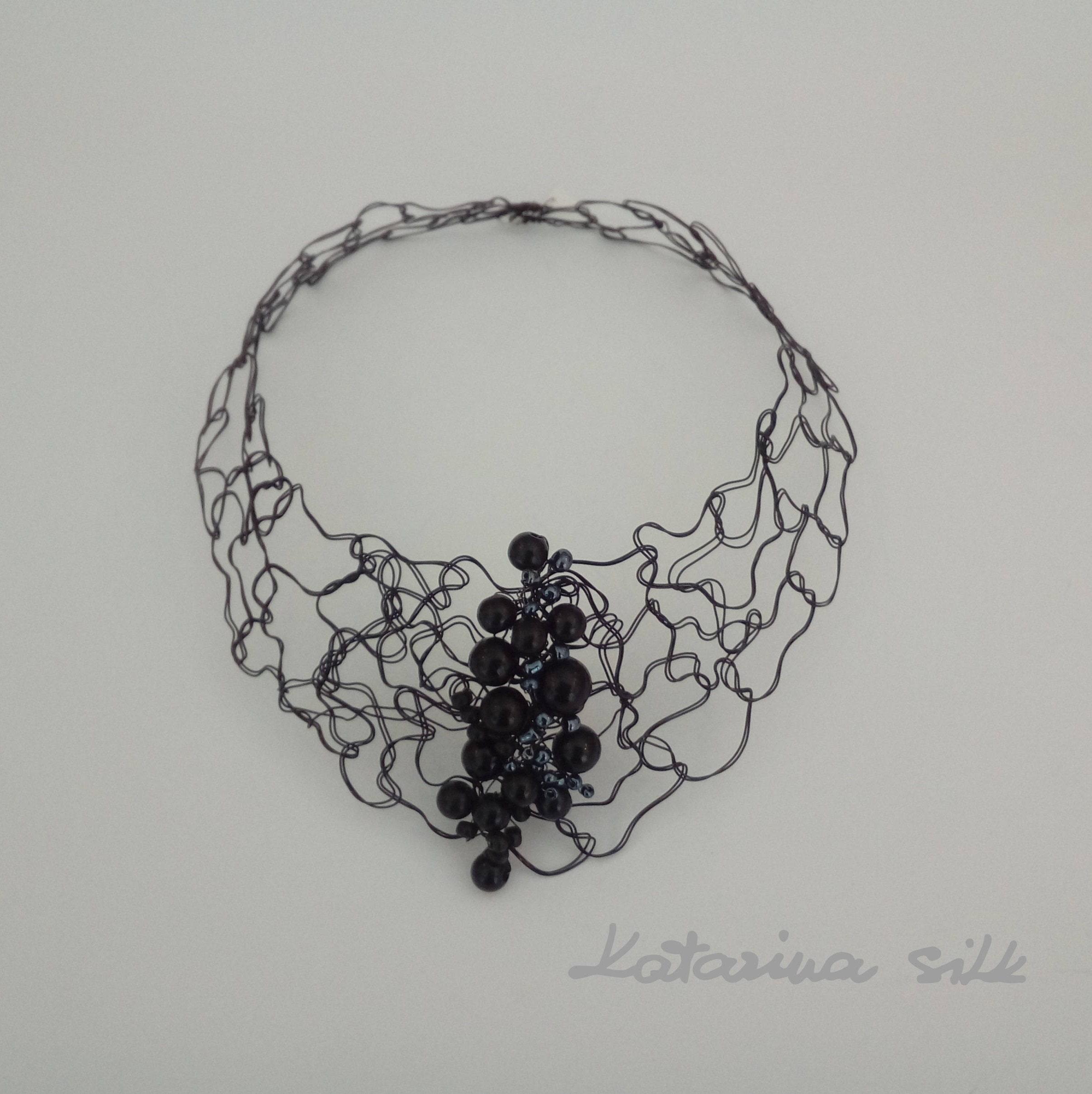 Black Choker Flexible Wire - WIRE Center •