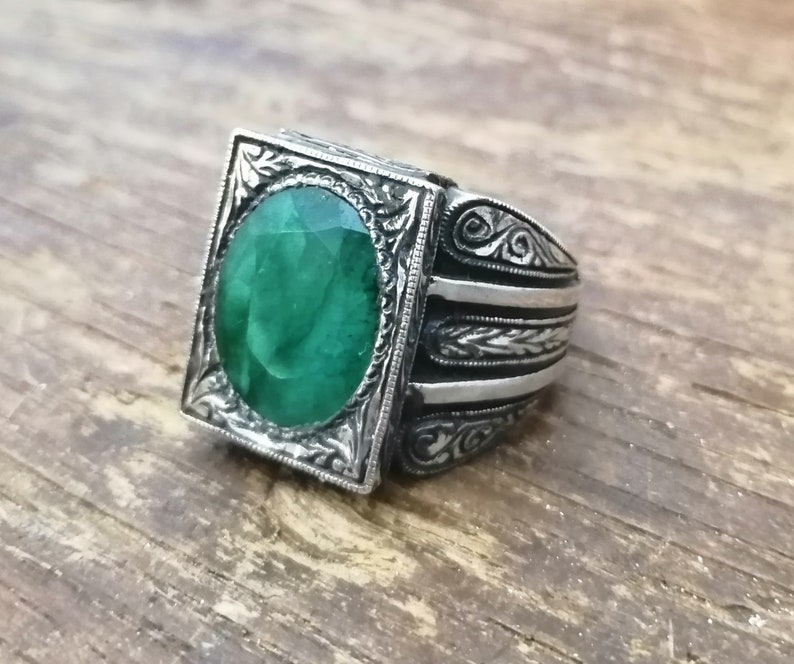 Emerald Man Ring,Beautiful Handcrafted 925K Solid Sterling Silver Emerald Green Quartzite Men/'s Ring Men/'s Ring