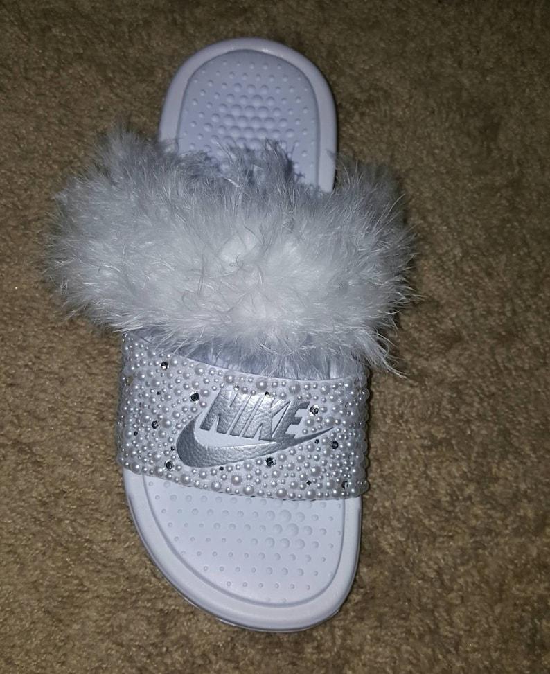 69dcc980e646e 2 Strap Nike Slides