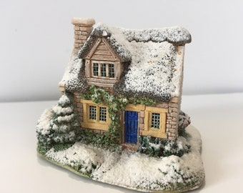 Cranberry Cottage – Collection by LILLIPUT LANE