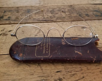 8915817019 Antique 1800's 12K Gold Oval Reading Spectacles Straight Arm | Antique  Lunettes | Antique Eyewear | 1800's Eyewear | Vintage Oval Glasses