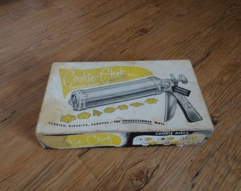 Vintage Cookie Chef Cookie and Canopy Press 254  | Cookie Press | Holiday Cookies | Spritz Maker | Pastry Tools | Winter Baking | Fun Baking