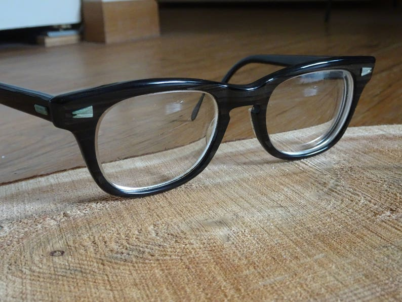 6b3340cdafb Vintage Universal Optical UOC Greywood Design Eyeglass Frames