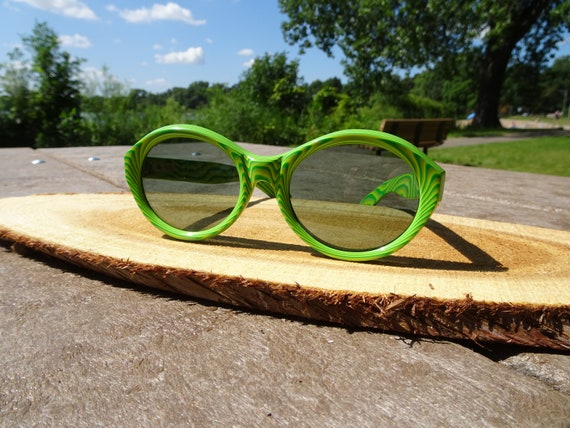 Vintage Riviera Maiorca Green Design Sunglasses It
