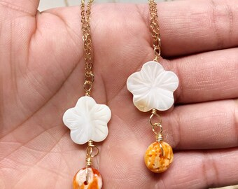 Flower mother of pearl with Spondylus