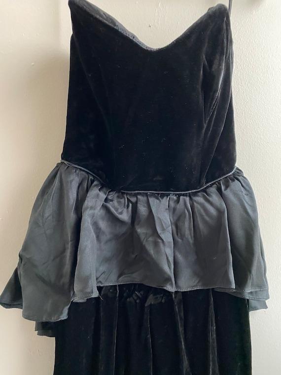 Vintage | Miss Magnin at I. Magnin Black Velvet Dr