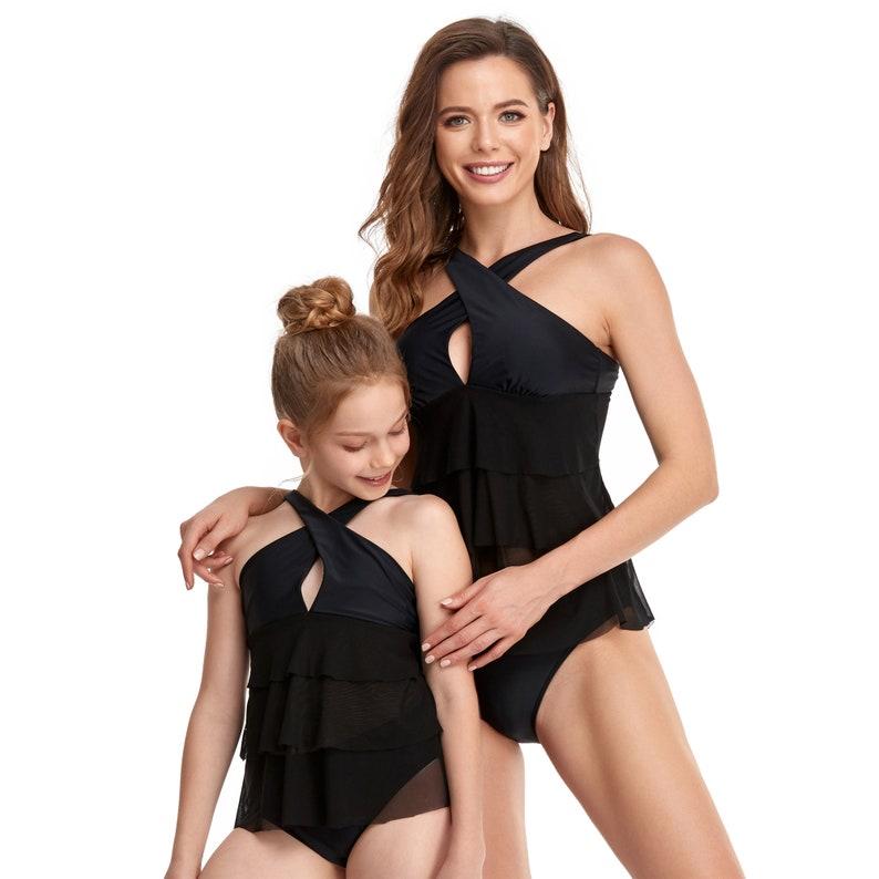 2021 Mum and Me Matching Swimsuits Womens Cross Halter Swimwears Family Mathing Swimwear
