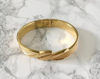 swirl detail bangle bracelet