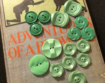 Vintage Buttons - Assorted Green Buttons Set of 16