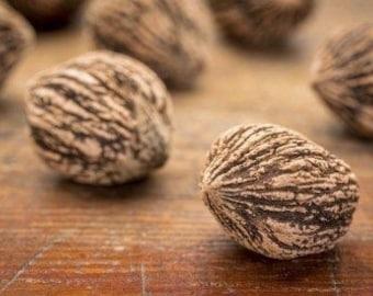 Fresh Walnuts, Walnuts For Cooking, Delicious Healthy Walnuts, Wild Grown Walnuts