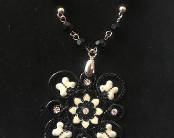 Black and white flower pendant beaded chain necklace and earrings set