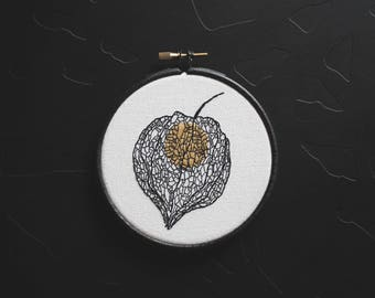 amour en cage / physalis - hand embroidery