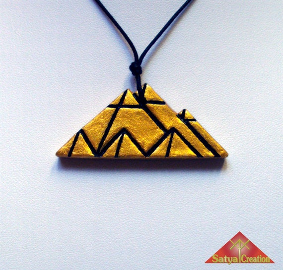 pendant pyramid clay gold and black egypt ancient egypt