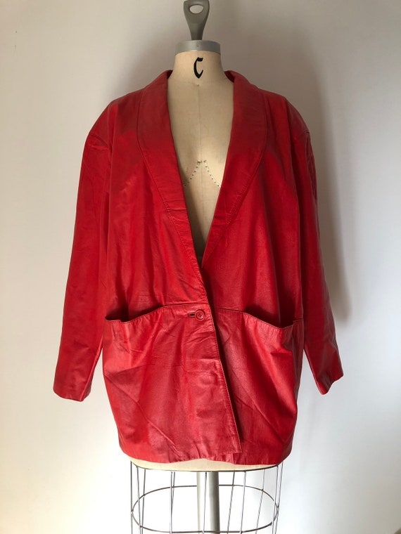 Stunning oversized vintage 1980's cherry red leath