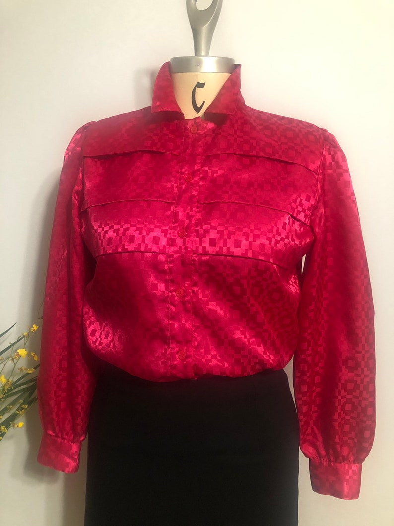 Hot pink vintage 80/'s blouse with cheat pleats