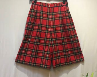 Super cute vintage Red wool tartan plaid pleated shorts by Highland Queen.