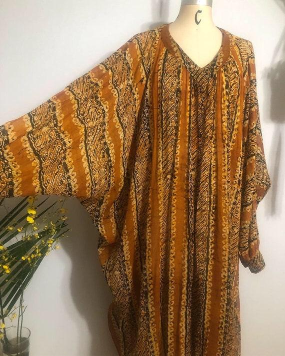 Super chic batik print semi-sheer 70's dolman slee
