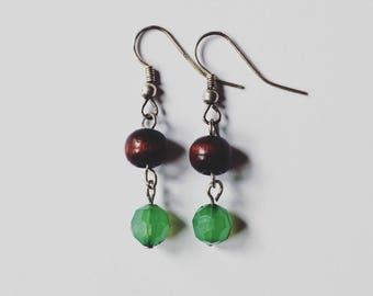 Wooden Beaded Earrings, Articulating Earrings, Natural Jewelry, SImple Wood and Green Earrings