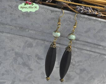 Unique Shoushan of marbleised Green Pearl and Onyx earrings spindle Pearl black matted
