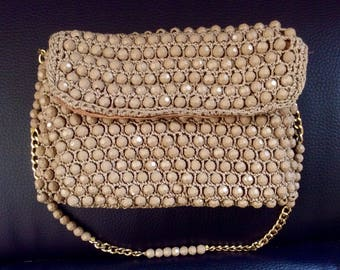 A small handbag in crochet beads!
