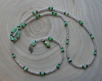 Beaded Green Lariat Necklace with Leaf Charm / Y Necklace / Long Necklace / Layering Necklace / Lasso Necklace