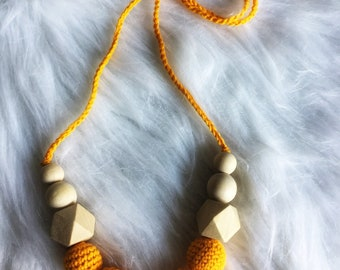 Necklace, breastfeeding and Babywearing crochet and beads wood - necklace for MOM and baby - newborn - yellow gift idea