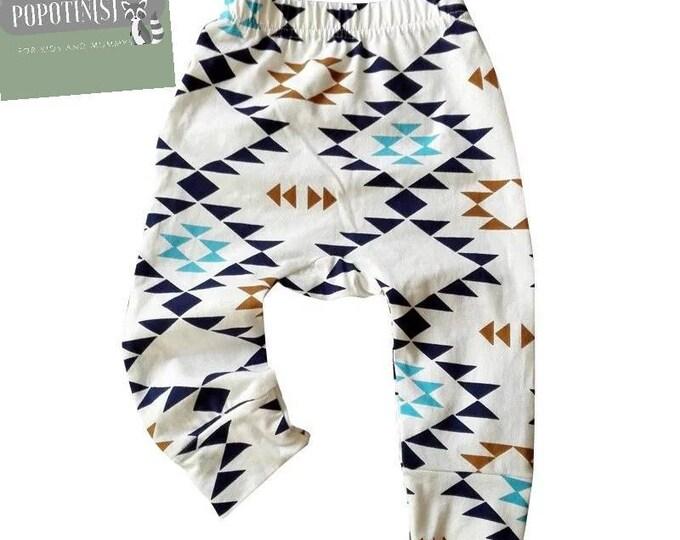 Joli legging, pantalon, jogging bébé- imprimé scandinave  - idéal pour les couches lavables- idée pour un cadeau de naissance original