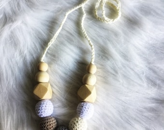 Necklace, breastfeeding and Babywearing beaded crochet and wood-raw necklace for MOM and baby - gift idea birth - white, grey taupe