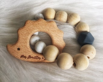 Rattle teething baby in food grade silicone, bpa and raw wood - Hedgehog - cute collection ring mountain - grey
