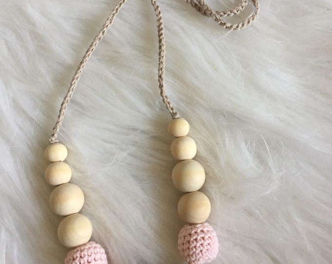 Necklace, breastfeeding and Babywearing beaded crochet and wood-raw necklace for MOM and baby - gift-baby pink, gray taupe